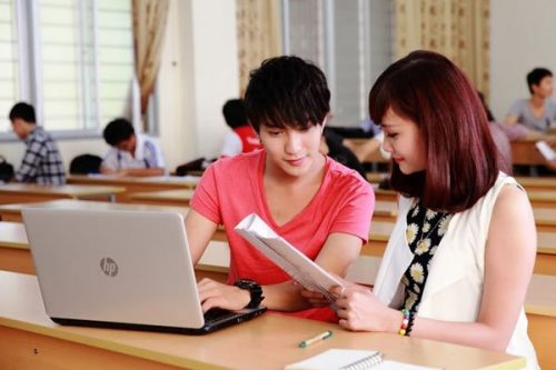 Tại sao sinh viên không nên sử dụng máy tính để chép bài