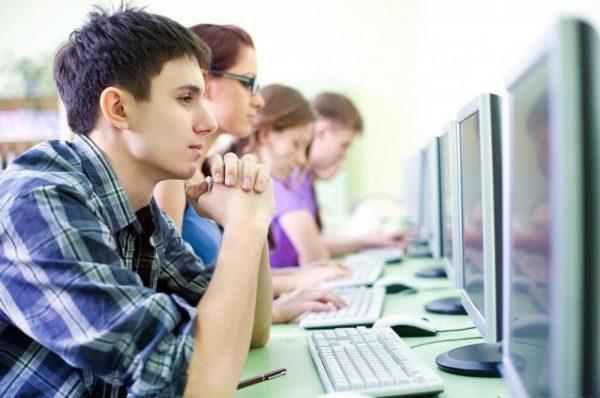 Một số thông tin cần nắm khi du học ngành Công nghệ thông tin