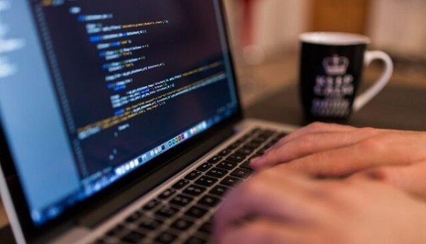 Ngành Công nghệ thông tin thi khối nào? Xét tuyển tổ hợp môn nào?